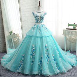 Vestidos largos chinos online-Vestidos de novia personalizados Novias Fancy Blue Elegante de alta calidad Encaje blanco Long Tail Novias Vestidos Fábrica china Hecho por el hombre