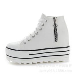 scarpe da ginnastica bianche di alta piattaforma Sconti Scarpe con zeppa bianche  Scarpe donna Sneaker Scarpe ad79210ae55