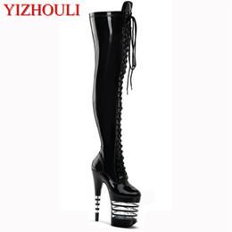 Alti talloni alla moda della piattaforma online-20cm di scarpe da donna, stivali al ginocchio con tacco alto, stivali stringati alla moda, decorazione con vernice spray a righe platform, tacco alto