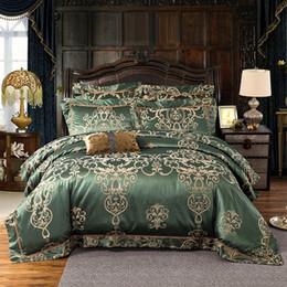 Conjunto de edredón blanco verde online-No.1-10 Army Green / Gold / White / Blue Jacquard Juego de cama de seda de lujo 4 / 6pcs Juegos de cama de satén Funda nórdica King Queen Bed Sábanas de lino