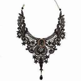 gioielli in pietra nera Sconti Collana a forma di collana con colletto in choker a forma di cuore con perline in argento a forma di cuore
