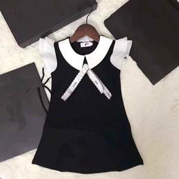 Mangas de volantes online-Nuevo vestido elegante elegante de la princesa vestidos de las muchachas vestido de fiesta de los niños del vestido de la manga de la colmena blanca de los niños con arco