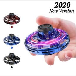 2019 peças de brinquedo de metal Flynova Route gratuito Descompressão Levitation Vehicle Indução Toy Mini ponta do dedo Gyro Upgrades UFO