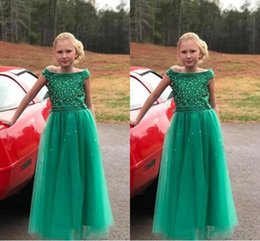 flor menina verde vestido strass Desconto Moda Verde Fora do ombro Meninas Pageant Vestidos De Cristal Strass Top Tulle Cap Mangas Curtas Longo Flor Meninas Vestido Barato