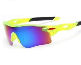 Diseñador a prueba de explosiones gafas de montar Hombres y mujeres con las mismas gafas de sol calientes deportes al aire libre espejo al por mayor directo de fábrica libre shipp desde fabricantes