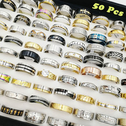 Bagues pour anniversaire de mariage en Ligne-Date 50pcs / lot Mix Style Anneaux En Acier Inoxydable De Mode Femmes Mens Titanium Bijoux De Mariage Anniversaire Fête Cadeaux