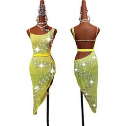 Vestito latino da ballo giallo online-Vestito da ballo latino strass corpo pieno donne brillante verde fluorescente giallo salsa salsa gonna abiti da donna latino