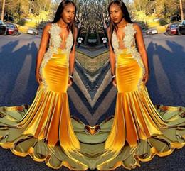 2020 nero t ragazze raso Black Girls Prom Dresses sexy sirena V Neck Lace Appliques perline lungo degli abiti di sera abito di raso riflettente del Sud Africa sconti nero t ragazze raso
