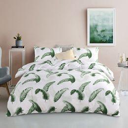 coperte di quilt verde Sconti Spedizione gratuita Holiday Gift Verde Foglie di Banana modello Biancheria da letto Copripiumino trapunta set con federa Twin Queen King Size