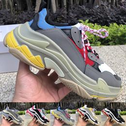 2019 scarpe da pallacanestro onemix Balenciaga Designer Triple S Cream Yellow Red Triple Black Uomo Donna Scarpe con plateau Moda Scarpe di lusso Scarpe da ginnastica Sneakers Taglia 36-45