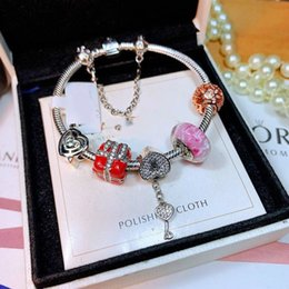 Out Bling Bracelet pour les femmes mousqueton Bijoux en gros Pierre de cuivre Bracelet ancre Filles charme argent plaqué Marque ? partir de fabricateur