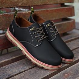 Billige männer arbeiten schuhe online-2019 preiswerten Männer Freizeitschuhe khaki blau braun Designergeschäfts arbeiten Schuhe bequem im Freien Wohnungen Männer Sportschuhe Größe 40-45