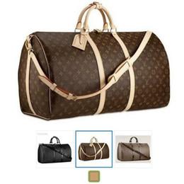 Mãos saco homens couro on-line-2019 homens de luxo duffle bag mulheres sacos de viagem designer de bagagem de mão saco de viagem homens pu bolsas de couro grande corpo cruz saco totes 55 cm