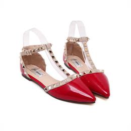 Canada Été nouveau petit poivre rivet pointu chaussures plates tendance de la mode en forme de rivet sandales pour femmes boucle sangle supplier small flat buckles Offre