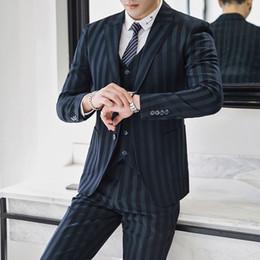 2019 maglia elegante degli uomini 2019 Uomini giacca a righe Giacche + Pantaloni + gilet Business Banchetto di nozze Abiti eleganti Abito da uomo Set da tre pezzi Formato Asia 5XL maglia elegante degli uomini economici