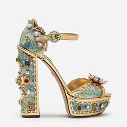 Saltos de plataforma de cristal on-line-Sandálias de Plataforma de Cordão de luxo Mulheres Cristal Diamante Cobrir o Calcanhar Sandálias de Verão Strass Tornozelo Fivela Sandálias Gladiador