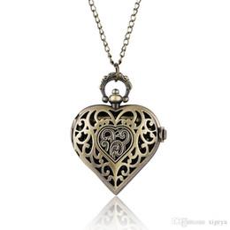 Античная бронза полые в форме сердца кварцевые карманные часы ожерелье кулон цепи женщины женские ювелирные часы подарок reloj de bolsillo от Поставщики женские часы в форме сердца