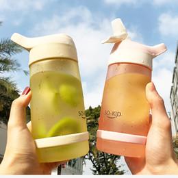 bottiglie d'acqua a forma di animale Sconti Bottiglia di plastica di acqua paglia Drinkware BPA Free Portable perfetta tenuta Breve Eco-Friendly Cup per l'adulto dei bambini del capretto 600ML T200102