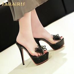 b7fbb27b40 SARAIRIS Tamanho Grande 43 Plataforma Sexy Fina Salto Alto nova venda  quente das Mulheres Chinelos de Verão Clássicos de Moda sapatos femininos