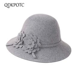 QDKPOTCHot Sale Quality Female Fedoras Beautiful Flowers Wool Felt Hat  Bucket Topper Solid Color Autumn Winter Hats For Women b342a2920636