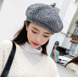 womens fashion beret Promo Codes - Designer Womens Berets Luxury Caps for Women Autumn Winter Fitted Dome Brand Womens Hats Causal Fashion Caps with Elgant Styles High Quality