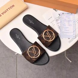 2019 chanclas de fiesta VENTA caliente Para Mujer de Lujo Lock It Designer Zapatillas Sandalias Casuales de Cuero Marrón Mujeres de la Marca Zapatillas de Fiesta Zapatillas de deporte de Moda Con una bolsa para el polvo chanclas de fiesta baratos