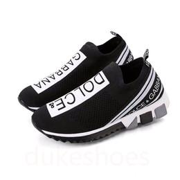 Zapatillas de tela online-Imprescindible Hombres de la marca Graffiti Print Fabric Sorrento Slip-on Zapatillas transpirables Designer Women Two-tone Rubber Micro Sole Casual Shoes 02