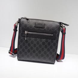 Rayas rojas online-2019 Best All Black Stripe Red Leather Black Men Messenger Bag Gold Letter Hardware Hardware Shoulder Bags Envío gratis 523599