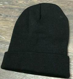 chapéu cinzento do bobble Desconto Gorro de inverno dos homens das mulheres homens chapéu bonés de malha casuais chapéus homens esportes cap preto cinza branco amarelo hight qualidade tampas do crânio