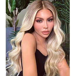 perruques de dentelle synthétique vague profonde Promotion Ash Blond vague de corps synthétique Lace Front Wigs Moyen profonde partie longue onduleux Blonde Lace Front Wigs Ombre Brown Roots Platinum Blonde Hair