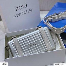 2019 tac force knife Bolso de la mujer Caja de almacenamiento esmerilado con textura de aluminio del caso de la señora hombro de lujo 2020 nuevo de la manera Tamaño 13 * 20 * 6.5