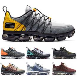 Sapatos de corrida para mulheres cinza on-line-2019 nike vapormax Run Utility Mens Designer Womens Running Sneakers lobo cinza amarelo borgonha deserto minério do deserto Esporte Sapatos Formadores EUA 7-11