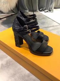 sandálias de vestido de laranja Desconto 2019 Designer de luxo mulheres vestido sandals des com caixa de laranja saco de pó de salto alto sapatos de couro com saco de poeira de salto alto sandália plataforma dedos abertos