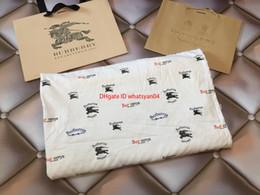 2019 mois année accessoires bébé nouveauEnfants couvertures enfants de vêtements de marque automne garçons et filles couverture stéréo bulle design taille 120 * 150 couverture bébé Printemps / Automne