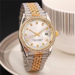 Montres de luxe suisse diamant en Ligne-Nouvelle Marque De Luxe Montres Dames Carré Plein De Diamants Montre Or Strass Femmes Robe Suisse Designer Automatique Montres Bracelet Horloge