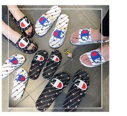 Унисекс дизайнерские сандалии онлайн-Дизайнер Luxury C Мужчины Женщины Детские Сандалии Обувь Унисекс Лето Пляж Квартиры Скользкая Тапочка Флип-Флоп Non-Slip