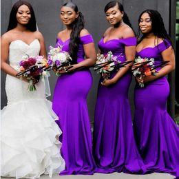 Abiti da sposa viola scuro online-Sirena viola scuro abiti da damigella d'onore lungo abito da sposa spalla ospite vestito da damigella d'onore abiti al largo delle donne abbigliamento formale