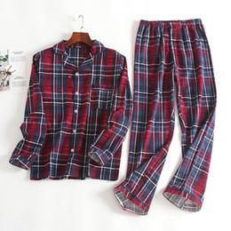 Yeni 100% Pamuk erkek Autumnwinter Uzun kollu Pantolon Pijama Takım Kırmızı Ekose Pazen Pijama Kadife Yumuşak Giyim Seti cheap red velvet clothing nereden kırmızı kadife giyim tedarikçiler