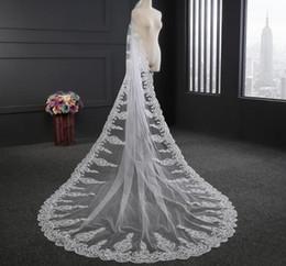 Uma camada de véu de casamento longo on-line-Cristais de luxo Catedral Véus De Noiva Applique Lace One Tier Marfim Branco Nupcial Acessórios Para o Cabelo Contas Longo 2019 Véu Da Noiva