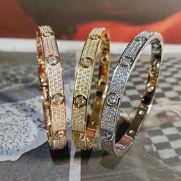 i migliori modelli in oro dei braccialetti Sconti Celebrity Style Hot Coppia braccialetto largo versione ristretta versione completa zircone uomini e le donne stesso oro e di colore argento colore del braccialetto ZK40