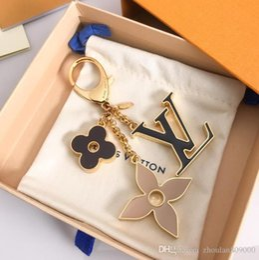 Caixas de embalagem ornamento on-line-Top quality Luxo Chaveiro chaveiro cadeias de Acessórios de Moda Saco de enfeites de saco pingente de carro pingente de embalagem caixa de presente