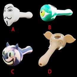 2019 cuchara mezcladora de silicona Estilo mixto Unbreakable Tobacco Hand Pipes V cara cartoon Silicone Smoking Pipe Cuchara colorida para fumar con recipiente de vidrio cuchara mezcladora de silicona baratos