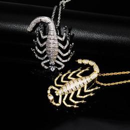 Skorpion zubehör online-2019 Unisex Luxus Scorpion Halsketten-Anhänger 18K Gold überzogener Charme-Hip Hop-Halsketten-Strickjacke-Kette Bling Halloween Accessoires Schmuck M635F