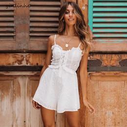 d8c7f03344 2019 trajes blancos atractivos cortos Yinlinhe Traje Blanco Trajes de Verano  Para Las Mujeres Con Cordones