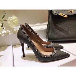 Argentina Diseñador de lujo de moda de las mujeres bombas de la cinta bowtie zapatos de tacón alto de la novia sexy señaló zapatos de boda by18120803 supplier trendy pumps shoes Suministro