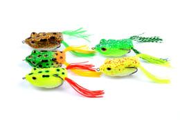 Мягкие приманки лягушки онлайн-Новый Simulation Ray Frog Полый Корпус Blackfish приманки 14 г 5.7 см Topwater Рыбалка Силиконовые Мягкие резиновые приманки