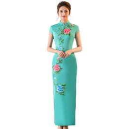 Otoño 2018 nuevas mujeres estilo elegante apertura tenedor trajes de escenario de estilo largo vintage muestran cheongsam desde fabricantes