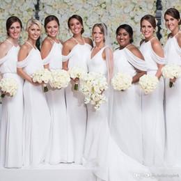 Свадебные платья онлайн-Оболочка белые шифоновые платья подружки невесты длинные дешевые изображения Южная Африка 2019 Новый выпускного вечера с открытыми плечами Платья для подружек невесты Вечерние платья