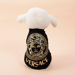 chaquetas para perros Rebajas Street Trend Dog Sweatshirt Primavera y verano Cool Pet Jacket Deportes al aire libre Diseñador Ropa para perros Envío gratis