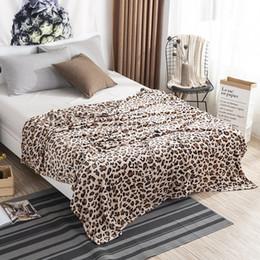 Ropa de cama de cebra impresa online-Leopard Zebra Impreso en invierno Mantas de franela cálidas para camas Suavemente cálido Fuzzy Mink Throw Faux Fur Coral Fleece Manta de avión